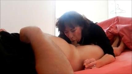 Gay masseur blowjob and facial
